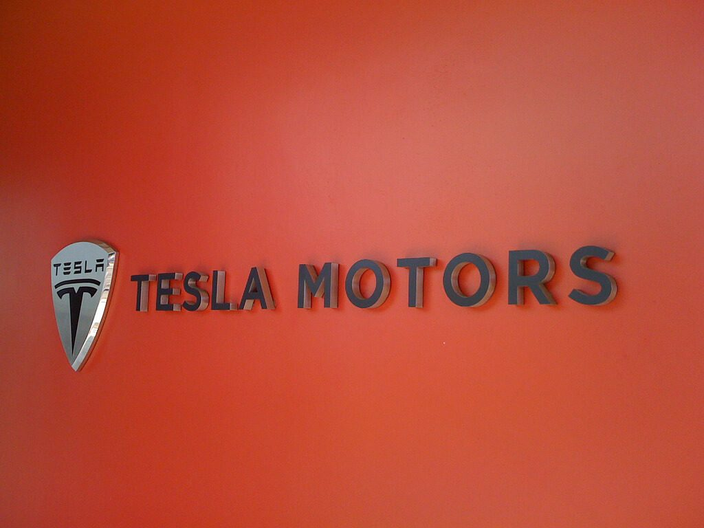 Tesla & The Alternative Fuel Movement
